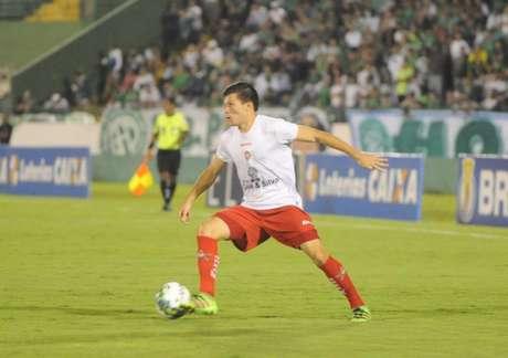 Samudio , do Boa Esporte, em jogo contra o Guarani (Fotos: Divulgação/ME Assessoria de Imprensa)