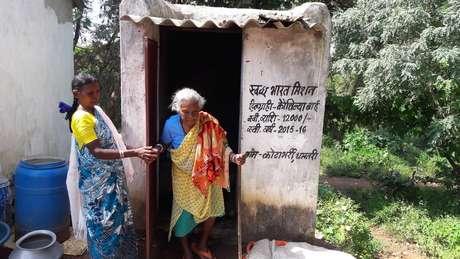 O banheiro custou cerca de R$ 1,100 para Kunwar