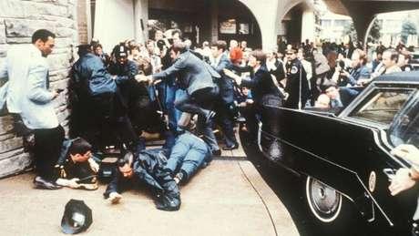 Ronald Reagan sobreviveu por causa de uma rápida intervenção médica após o ataque