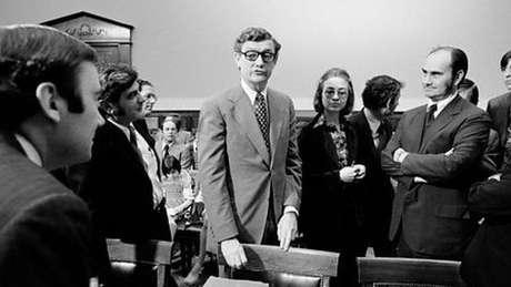Hillary ao lado de John Doar durante as investigações do escândalo de Watergate