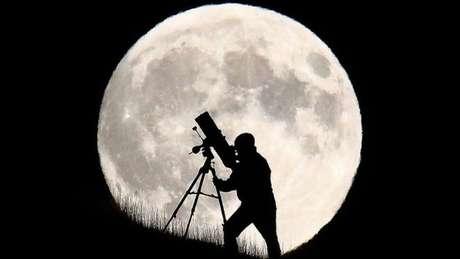 Na véspera do próximo dia 14, será possível observar a maior Superlua em quase 70 anos.