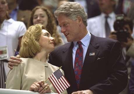 Hillary também ganhou um Grammy - o mais importante prêmio da música dos Estados Unidos