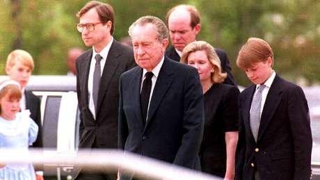 Richard Nixon renunciou à presidência dos EUA em 1974