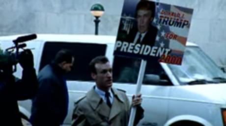 Clipe do Rage Against The Machine divulgado em 1999 foi dirigido por Michael Moore