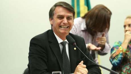 Após eleição de Trump, Jair Bolsonaro é citado como candidato à Presidência em 2018 no Brasil