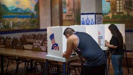 Nos EUA, o voto popular leva à escolha dos integrantes do Colégio Eleitoral, que é o responsável pela eleição do presidente