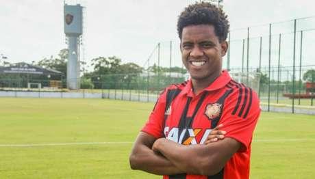 Rithely está na mira do Corinthians para 2017