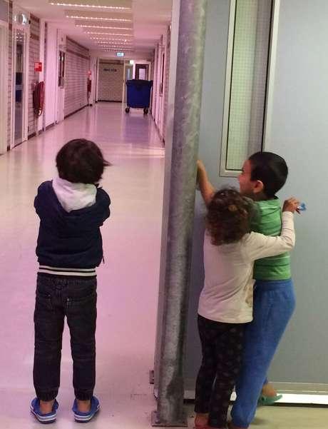 Prisões desativadas foram convertidas em centros de triagem para refugiados