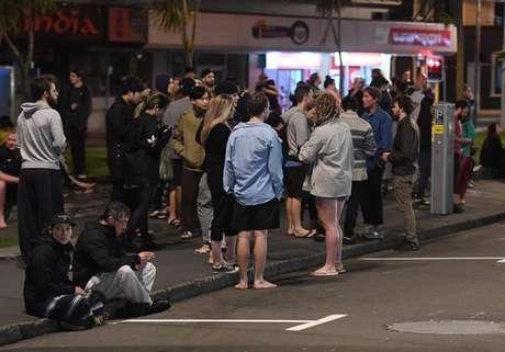 Pessoas deixaram suas moradias na cidade de  Wellington durante o terremoto