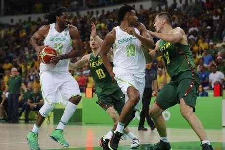 O comitê executivo da FIBA lamentou a situação do basquete brasileiro apenas três meses depois das Olimpíadas
