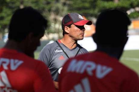Zé Ricardo em treino do Flamengo (Foto: Gilvan de Souza/Flamengo)