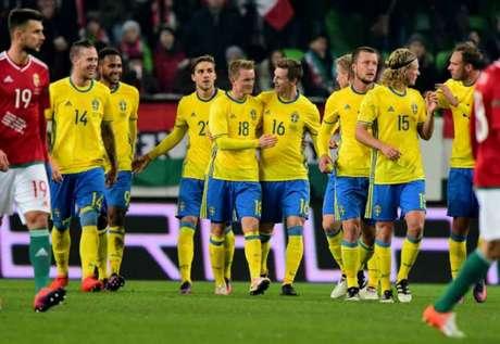 Larsson fez o primeiro da Suécia (Foto: Attila Kisbenedek / AFP)