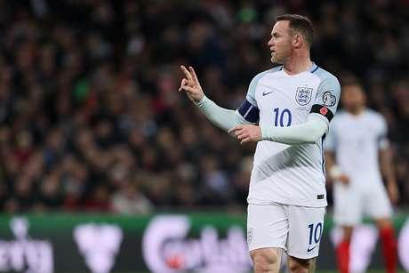 Jugador fue encontrado ebrio en hotel, tras victoria inglesa — Wayne Rooney