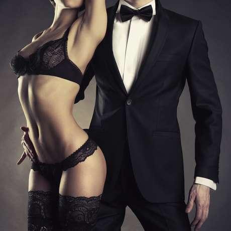 La ropa interior de color negra es un arma infalible de seducción.