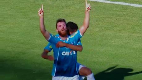 Diego Jardel comemora seu gol