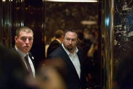 Miller (direita) foi um dos principais assessores do senador Ted Cruz, rival de Trump, durante as prévias republicanas