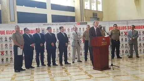 Perú jubila a 790 oficiales de su cuerpo policial