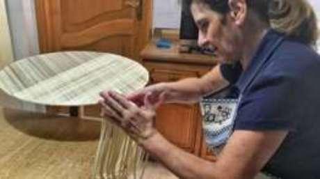 Com medo de ver tradição desaparecer, Abraini está empenhada em divulgar técnica e receita