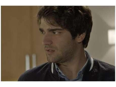 Tiago (Humberto Carrão) vai fazer Letícia (Isabella Santoni) encontrar encontrar com o pai biológico
