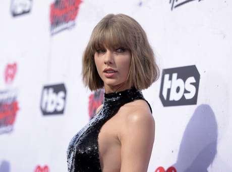 Taylor Swift se une al #MannequinChallenge