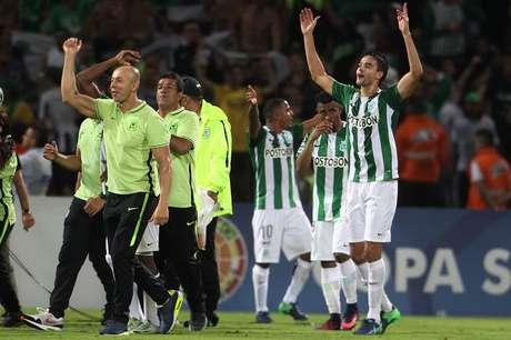 Jogadores do Atlético Nacional comemoram a classificação para a final da Copa Sul-americana