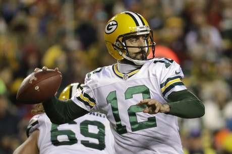 Packers cortaron mala racha con un gran Aaron Rodgers