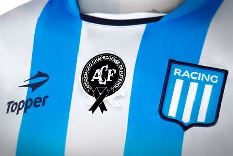 Racing llevará el escudo de Chapecoense en su camiseta