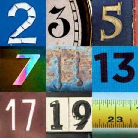 Os números primos são maiores que 1 e só podem ser divididos por 1 e por eles mesmos