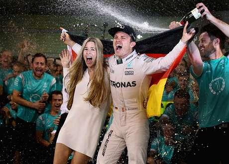 Hamilton consigue la pole en Abu Dabi