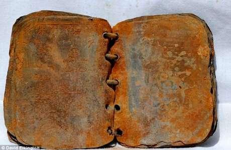Uno de los códices de plomo de Jordania