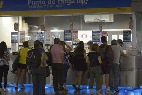 Cajeros de Metro no llegaron a acuerdo y este miércoles comienzan huelga