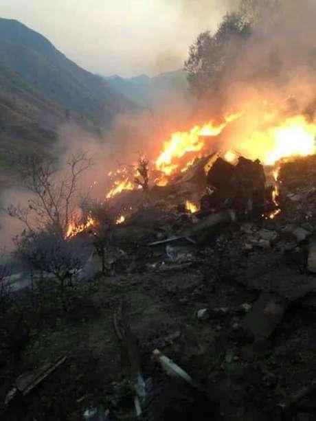 Imagens veiculadas por meios de imprensa internacionais mostram o que seria o local da queda da aeronave