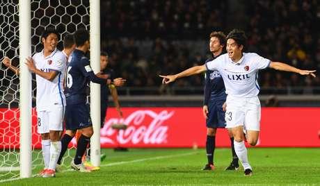 Kanazaki comemora o gol da virada do Kashima Antlers sobre o Auckland City na primeira rodada do Mundial de Clubes da Fifa