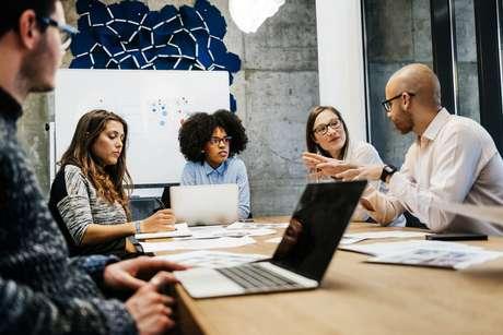 As mudanças no mercado de trabalho tem sido constantes e a concorrência entre profissionais em diversas área está cada vez maior
