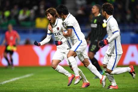 O meia japonês Shoma Doi comemora o gol que marcou na semifinal do Mundial de Clubes entre Kashima Antlers e Atlético Nacional