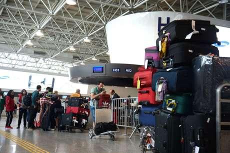 Segundo a Associação Brasileira das Empresas Aéreas, tarifas mais acessíveis serão possíveis a partir da cobrança das bagagens despachadas.