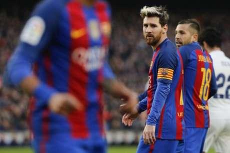 Clube chinês vai oferecer 500 milhões de euros por Messi, diz jornal