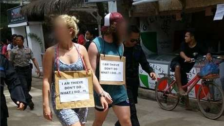 Os turistas seriam australianos e foram acusados de roubar uma bicicleta, principal meio de transporte na ilha Gili T.