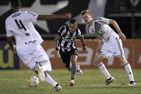 Neilton pede desculpas ao São Paulo por chamar o clube de 'lixo'