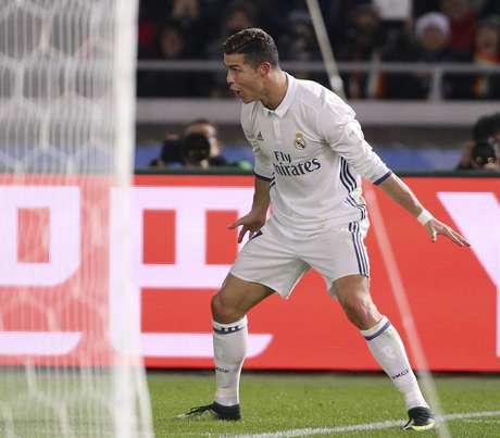Cristiano Ronaldo, del Real Madrid, celebra su tercer gol ante el Kashima Antlers en el tiempo extra de la final del Mundial de Clubes de la FIFA en Yokohama, Japón, el domingo 18 de diciembre de 2016. FIFA analiza la posibilidad de cambiar el formato del Mundial de Fútbol de 2026.