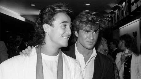 O cantor George Michael morreu no domingo em sua casa na Inglaterra aos 53 anos. Na foto, Andrew Ridgely (Wham!), em 1984.