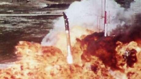 Dezembro de 1957: primeira tentativa de lançamento de satélite americano foi um fracasso