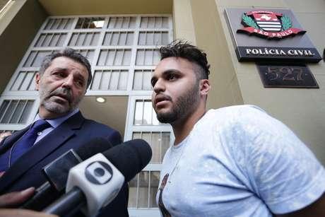 Preso na noite de terça-feira (27), Ricardo Nascimento Martins é transferido do DHPP para a delegacia do Metrô