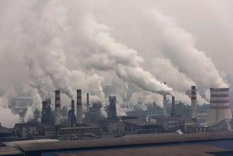 Chineses consomem pouco mais de um quarto da energia gerada no planeta e a metade de todo o carvão