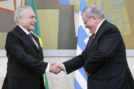 Kyriakos Amiridis cumprimenta o presidente Michel Temer em foto de arquivo de maio de 2016.