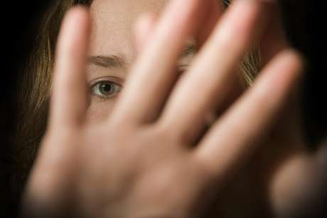 El teléfono para denunciar el maltrato por violencia de género es el 016. Es gratuito y no deja huella en la factura