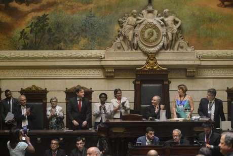 O prefeito eleito Marcelo Crivella e seu vice, Fernando Mac Dowell, durante posse na Câmara de Vereadores