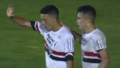 Vitória tricolor teve gols de quatro autores diferentes em Capivari (Foto: Reprodução/SporTV)