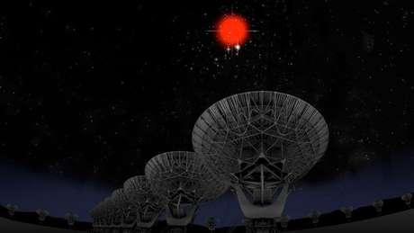 Baseada em observatório nos EUA, equipe descobre que ondas de rádio no espaço partem de uma galáxia anã