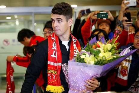 O Shanghai SIPG desembolsou 60 milhões de euros (R$ 203 milhões) para tirar Oscar do Chelsea.